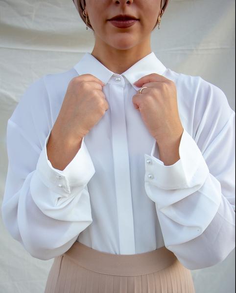 White Pearl Bluse
