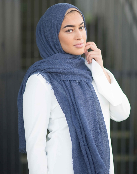 Daily Hijab Navy