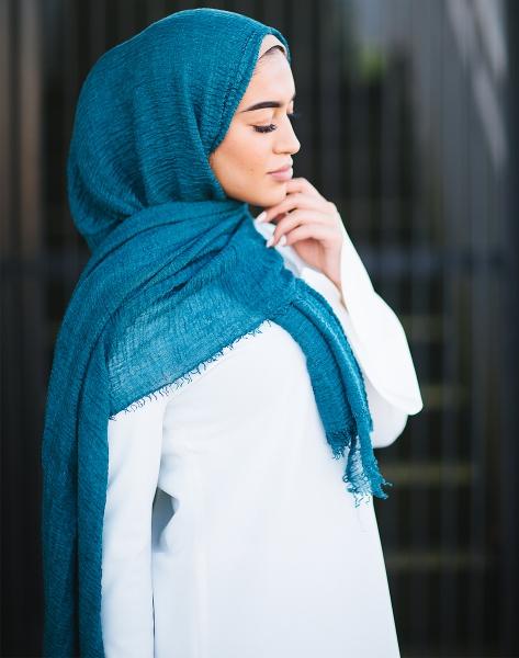 Daily Hijab Tannengrün